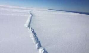 Lodowiec z zachodniej Antarktydy zaczyna pękać od środka