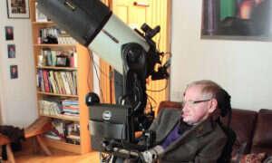 Stephen Hawking mówi, że do 1000 lat ludzie będą musieli zniknąć z Ziemi