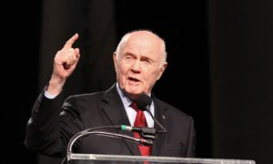 Nie żyje John Glenn, pierwszy Amerykanin na orbicie okołoziemskiej