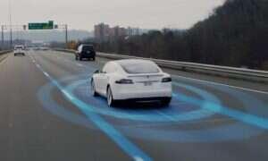 Kolejne fragmenty Autopilota trafiają do samochodów Tesla