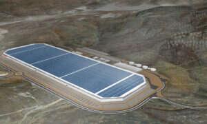 Wyciek chemikaliów w fabryce baterii Tesla
