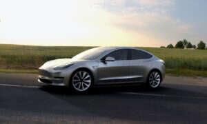Tesla Model 3 rozpędzi się do setki w 5,6 sekundy
