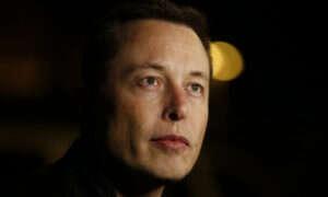 """Elon Musk: """"Zajmijmy się sztuczną inteligencją, zanim będzie za późno"""""""