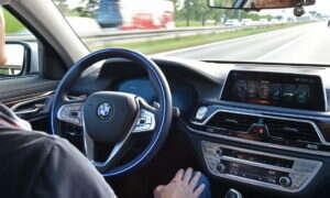 Połączony front w pracach nad platformą jazdy autonomicznej