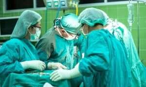 Czego słuchają chirurdzy podczas operacji?