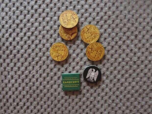 Spartakus pieniądze i znaczniki