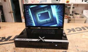 Xbox One X jako laptop