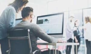 Jak branża IT zmienia biznes?