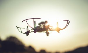 Niby zabawka, czyli test drona Parrot Mambo