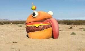 Hamburger z Fortnite znaleziony na… pustyni