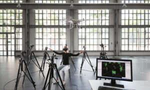 Wkrótce będziecie mogli sterować dronem za pomocą swojego ciała