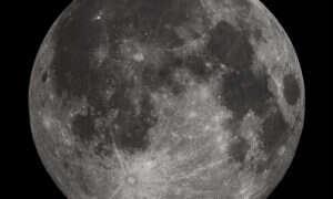 Naukowcy znaleźli dowód na obecność wody na Księżycu