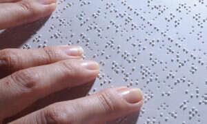 Programowalny alfabet Braille'a pozwoli zmniejszyć książki dla niewidomych