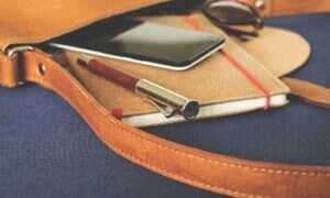 Francja zakazuje używania smartfonów w szkołach
