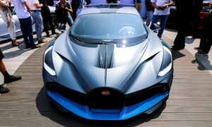 Hipersamochód Bugatti Divo podbił motoryzacyjne targi The Quail
