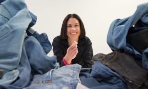 Naukowcy znaleźli sposób na tworzenie sztucznych chrząstek… ze starych jeansów