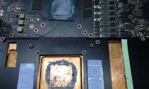 Układ TU104 z GeForce RTX 2080 w obiektywie