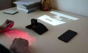 Co myślicie o wirtualnym ekranie i klawiaturze wyświetlonych w dowolnym miejscu?
