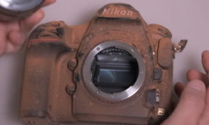 Zobaczcie jak Nikon przeprowadza testy wytrzymałości lustrzanki D850