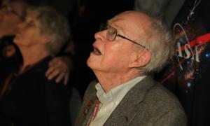 Zobaczcie reakcję Dr. Parkera gdy oglądał start sondy nazwanej jego imieniem