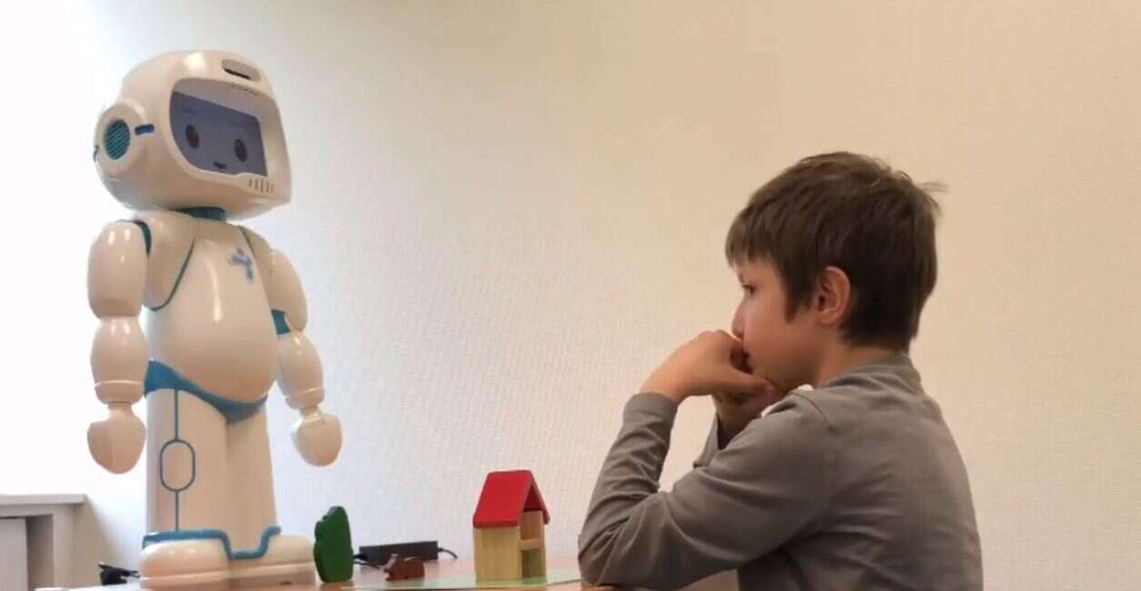 QTrobot, badania, LuxAI, robot, autyzm, RO-TOX,AI,