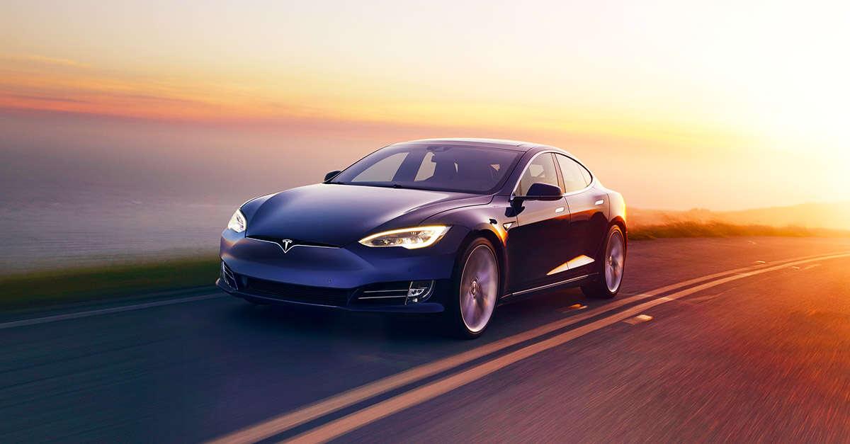 Elon Musk,kod bezpieczeństwa, bezpieczeństwo, kod, Tesla, pojazdy autonomiczne, gest,