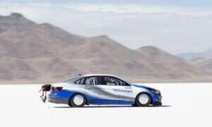 Niepozorny Volkswagen Jetta osiągnął rekord prędkości