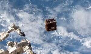 Strzelający harpunami satelita oczyści kosmos ze śmieci