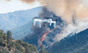 Ten dron potrafi latać przez dwie godziny