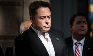 Elon Musk musi zrezygnować ze stanowiska prezesa Tesli