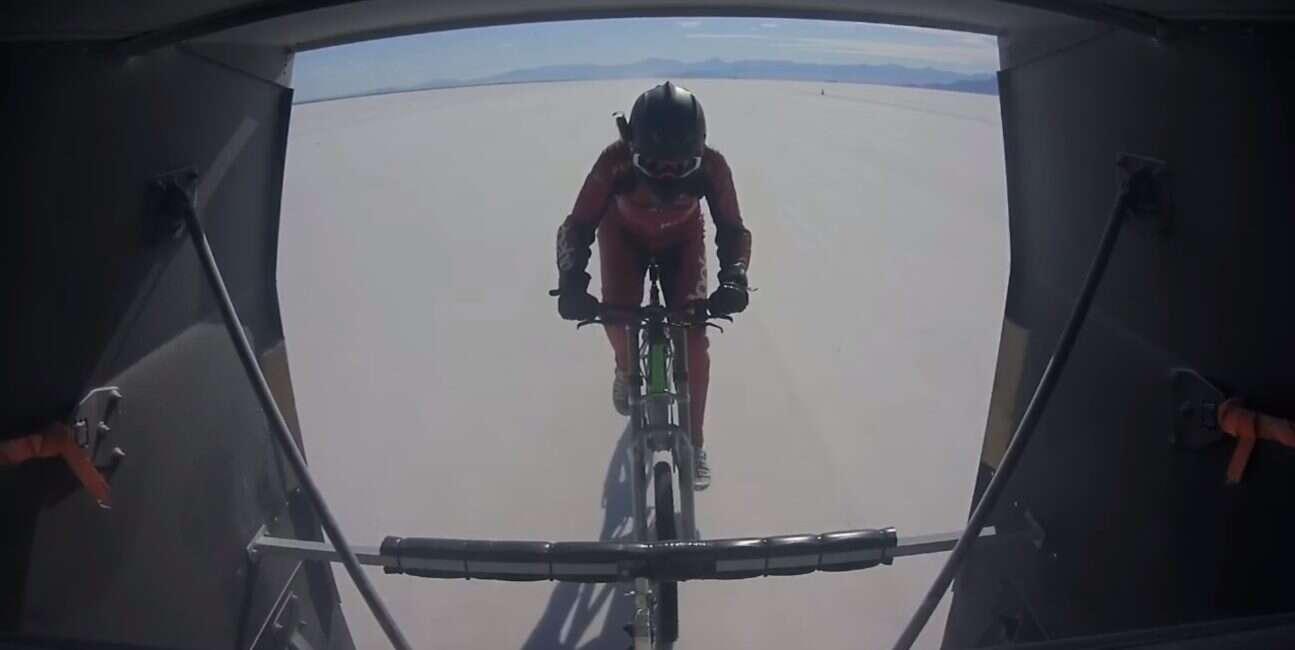 45-letnia Mueller-Korenek ustanowiła nowy rekord prędkości na rowerze