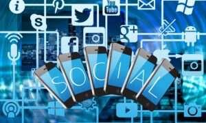 Lepiej chroń swoje kontakty w telefonie przed Facebookiem