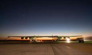 Samolot od Stratolaunch Systems osiągnął prędkość niemal 150km/h