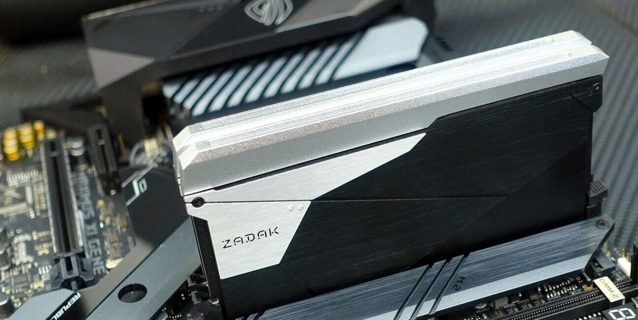 ZADAK, DDR4, Shield, ASUS ROG, standard, JEDEC, 32 GB