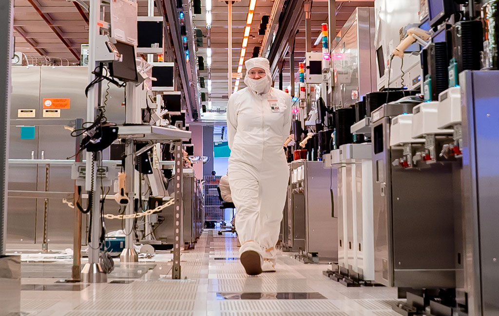 "Intel robi ""dobre postępy"" ze swoim 10nm procesem"