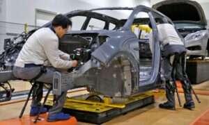 Hyundai testuje egzoszkielety w swoich fabrykach