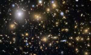 Ile światła gwiazd powstało od początku istnienia Wszechświata?