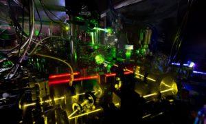 Te zegary atomowe mogą mierzyć zniekształcenia czasoprzestrzeni