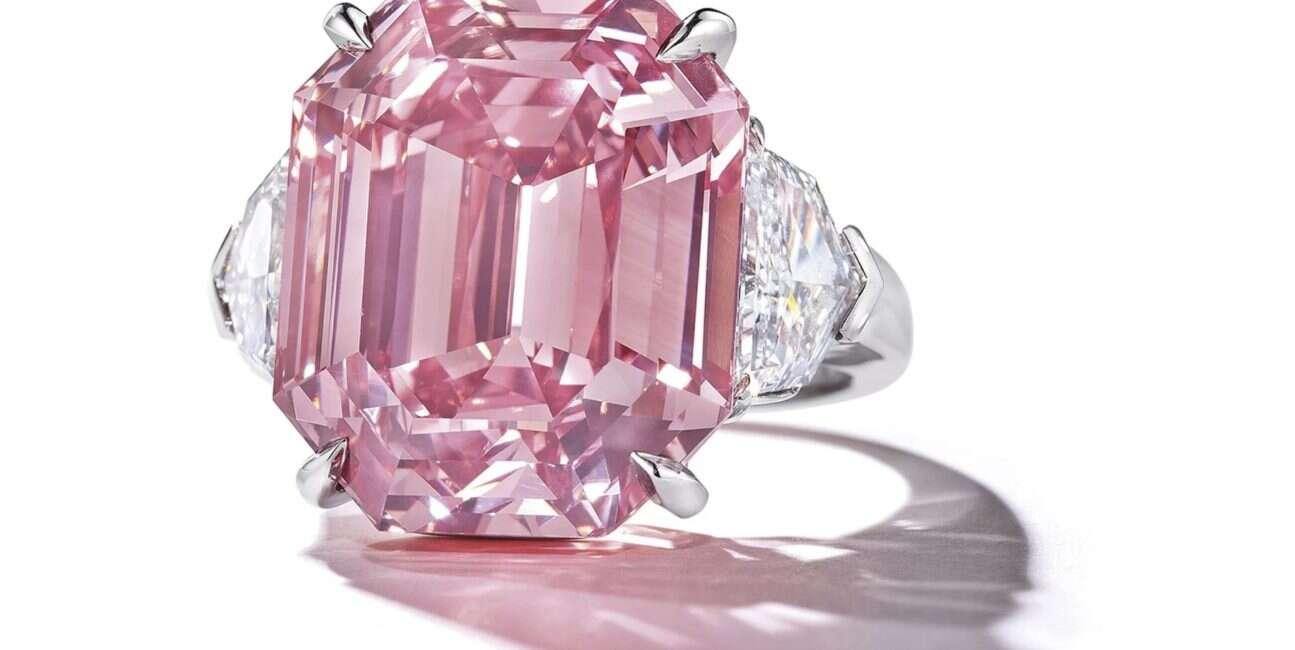 diament, różowy diament, ogromny diament, aukcja diamentu