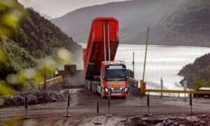 Autonomiczne ciężarówki Volvo będą wywozić wapień z kopalni