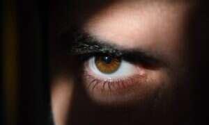 W oczach można dostrzec białka niszczące mózg