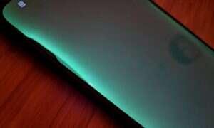 Huawei Mate 20 Pro z wadliwymi wyświetlaczami będą wymieniane