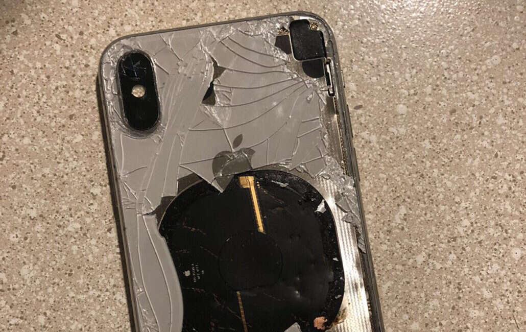 IPhone X, ios 21.1 IPhone X, wybuch IPhone X, zapalenie się IPhone X, eksplozja IPhone X, apple IPhone X
