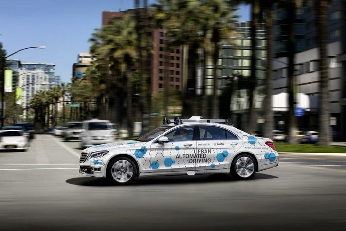 Daimler i Bosh szykują program autonomicznych taksówek na 2019 rok
