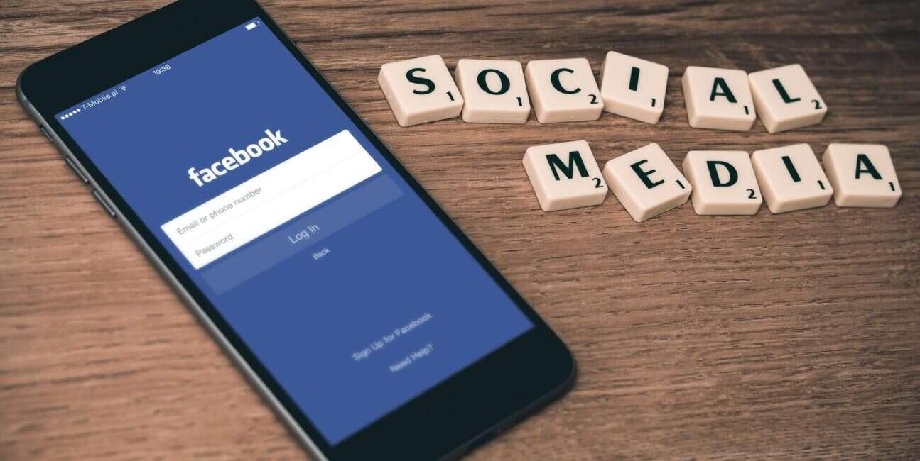 Facebook, usuwanie kont, fałszywe konta facebook, statystyki facebook