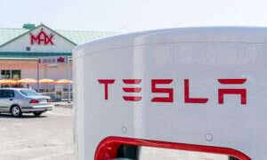 Tesla podwoi ilość stacji ładujących Supercharger