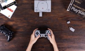 Adapter 8Bitdo pozwoli podpiąć dowolnego pada do PlayStation Classic