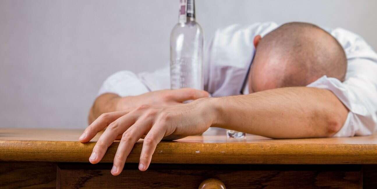 alkohol, działanie alkoholu, mechanizm alkoholu, badanie alkohol