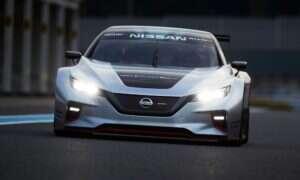 Elektryczny Nismo RC od Nissana wgniecie kierowców w fotel