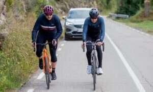 Nowy system bezpieczeństwa Seata dba o bezpieczeństwo rowerzystów